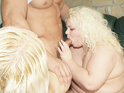 Blonde BBW Threesome